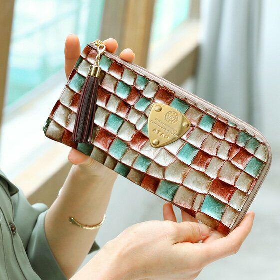 クリスマスプレゼントにおすすめなお財布はアタオのリモヴィトロです