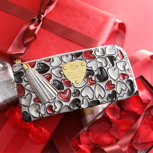 リモハッピーヴィトロの長財布